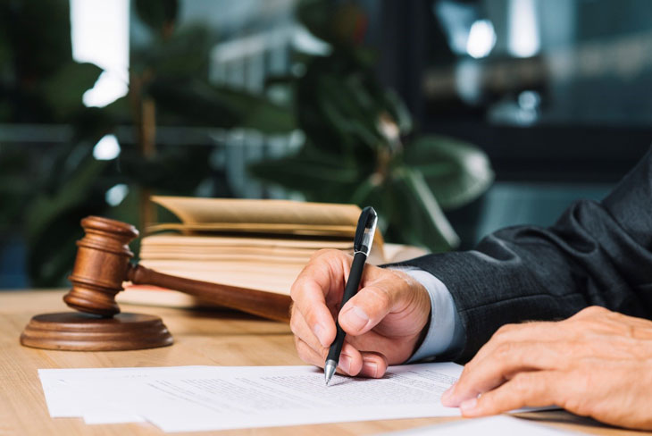 How to Write Flawless Law Assignments